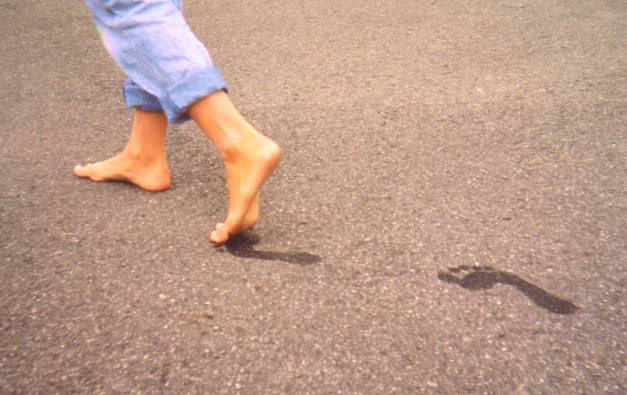 HAPPINESS IS TO WALK WITH BARE FEET