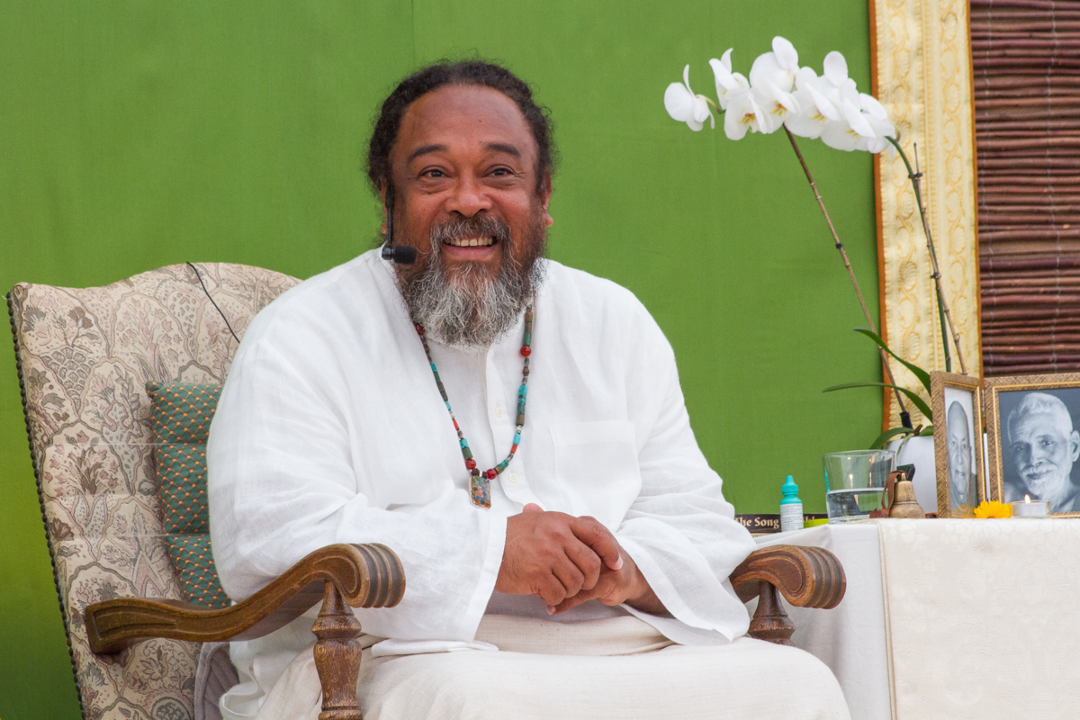 INTERVIEW WITH MOOJI: AWAKEN TO THE TRUTH OF WHO YOU ARE – LEVEKUNST
