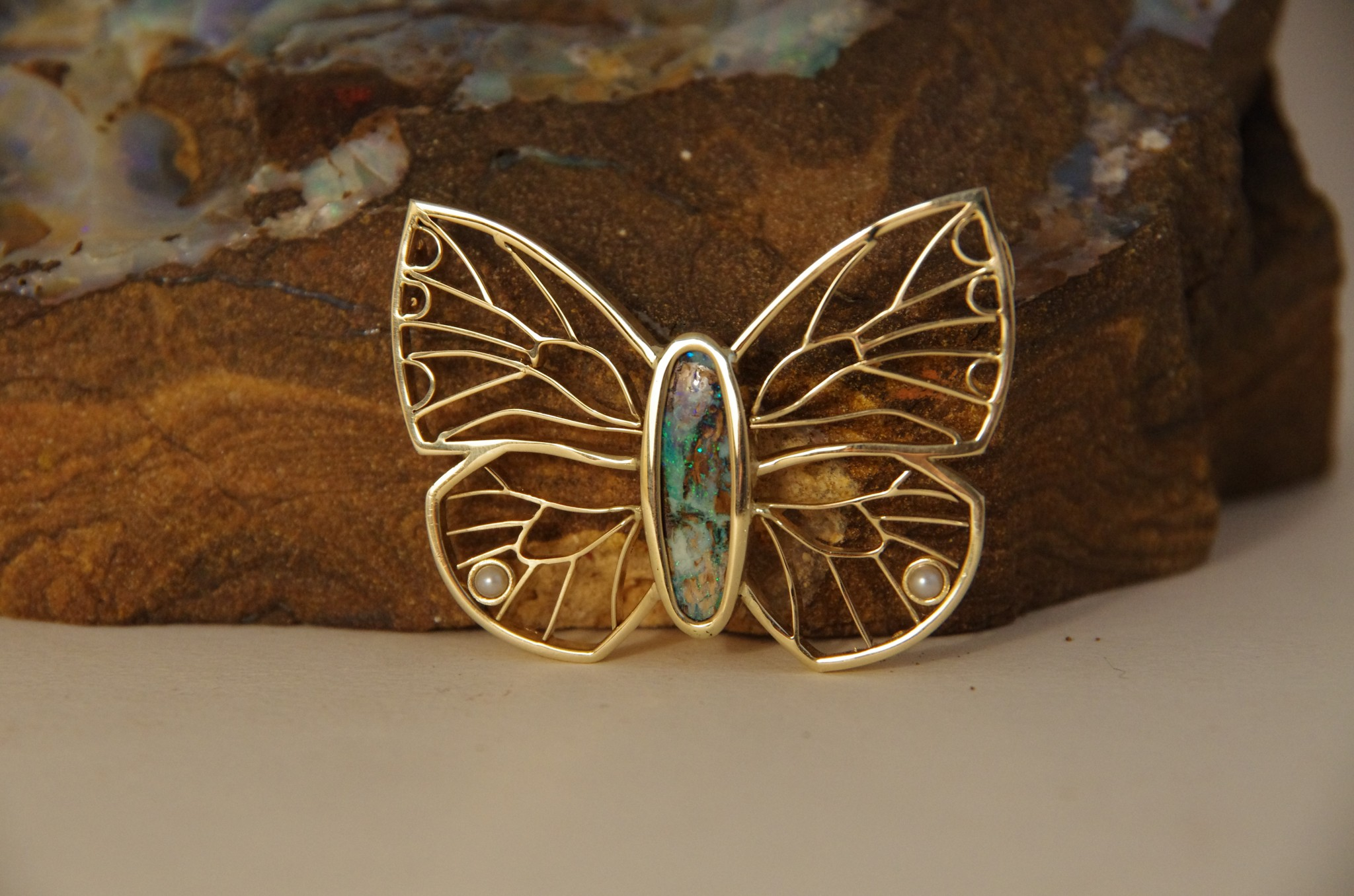 butterfly-in-gold-with-opal-1